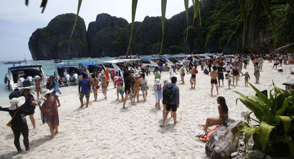 Tayland-Ko Phi Phi Lee Adası Maya Koyu © AP PHOTO / SAKCHAİ LALİT